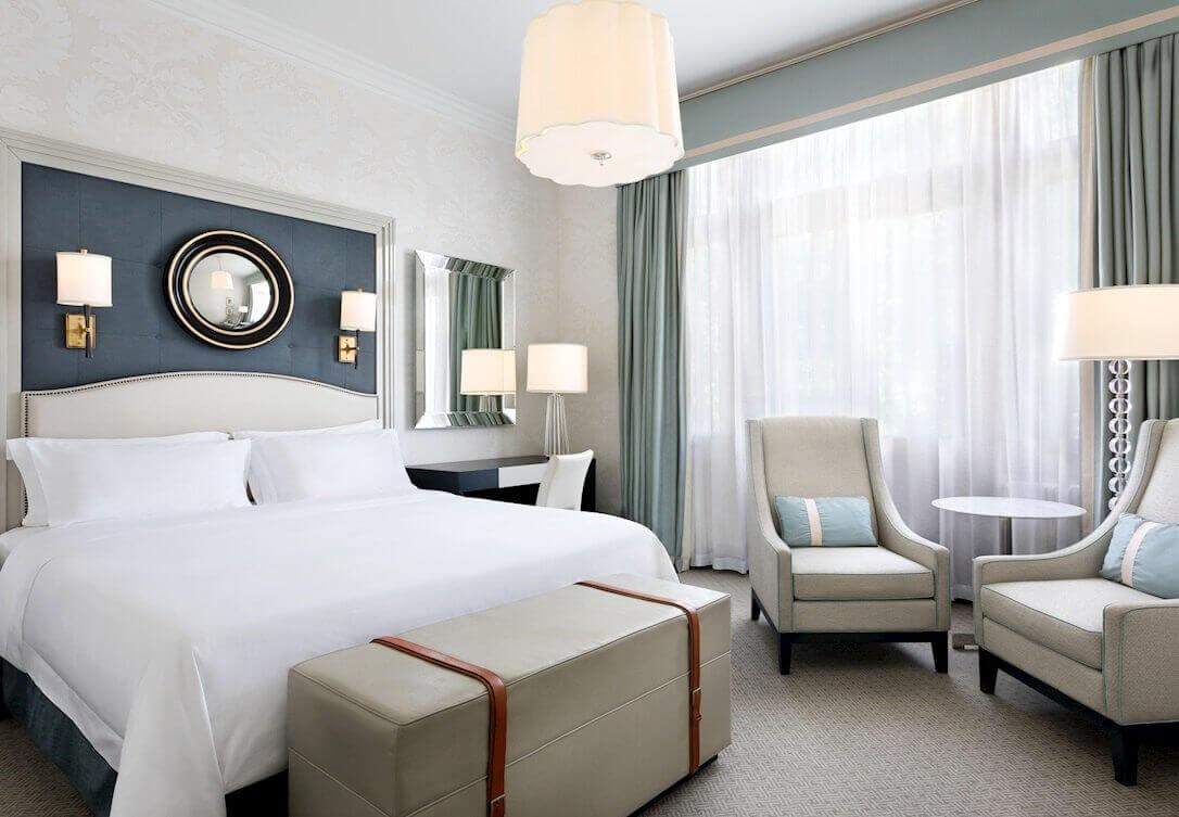 Bristol Hotel Room Image